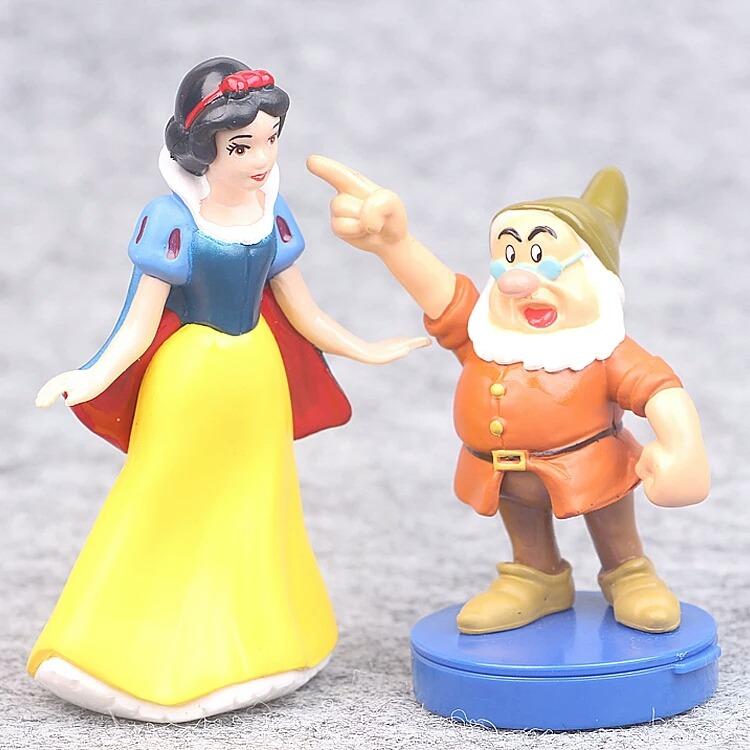 Branca De Neve E Os Sete Anoes Kit De Figuras Com 8 R 85 00 Em