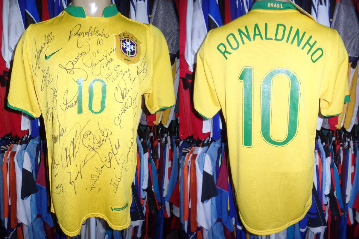 a34fa3b384 brasil 2006 camisa titular autografada m   10 ronaldinho. Carregando zoom.