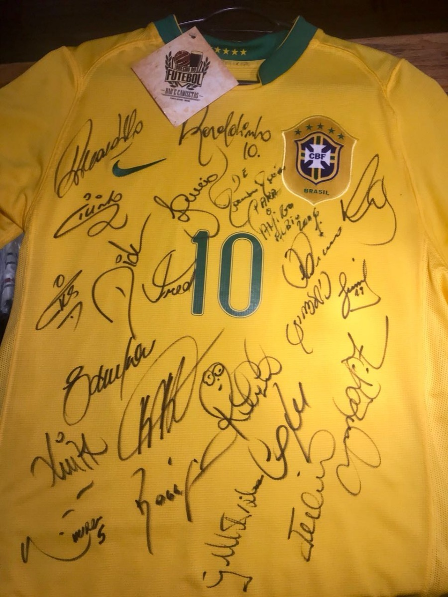 80453efebf brasil 2006 camisa titular autografada m   10 ronaldinho. Carregando zoom.