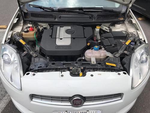 bravo 1.8 16v essence flex 5p
