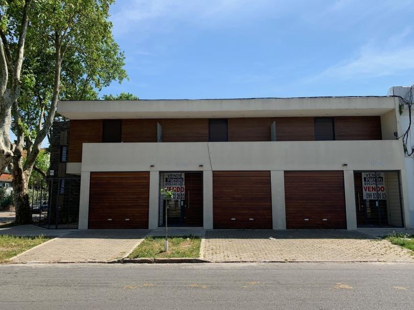 brazo oriental casa de 2 dormitorios con garage, patio, parrillero.