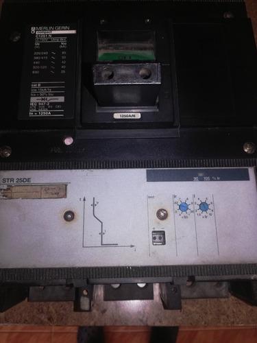 breaker industrial trifasico de 1200 amp