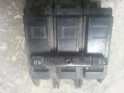 breaker superficial thqc 3 polos por 50 amp