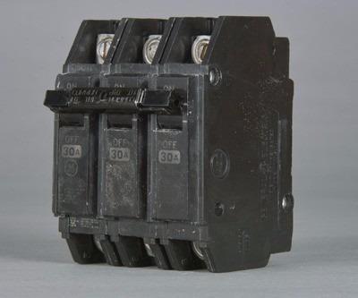 breaker thqc 3x60 general electric tienda fisica