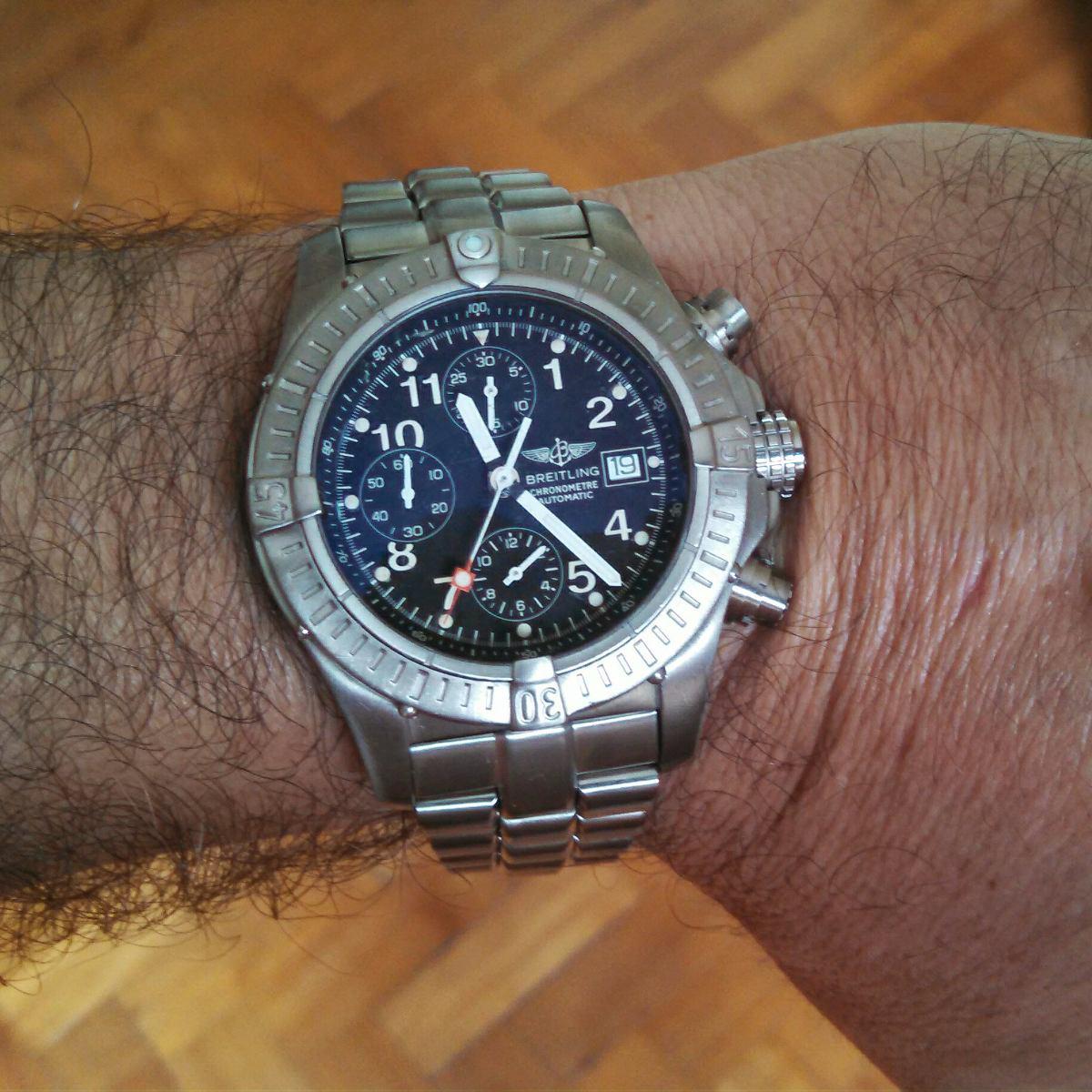 online retailer 0b538 47f9a Breitling Chrono Avenger E13360 Titanium 100% Original.