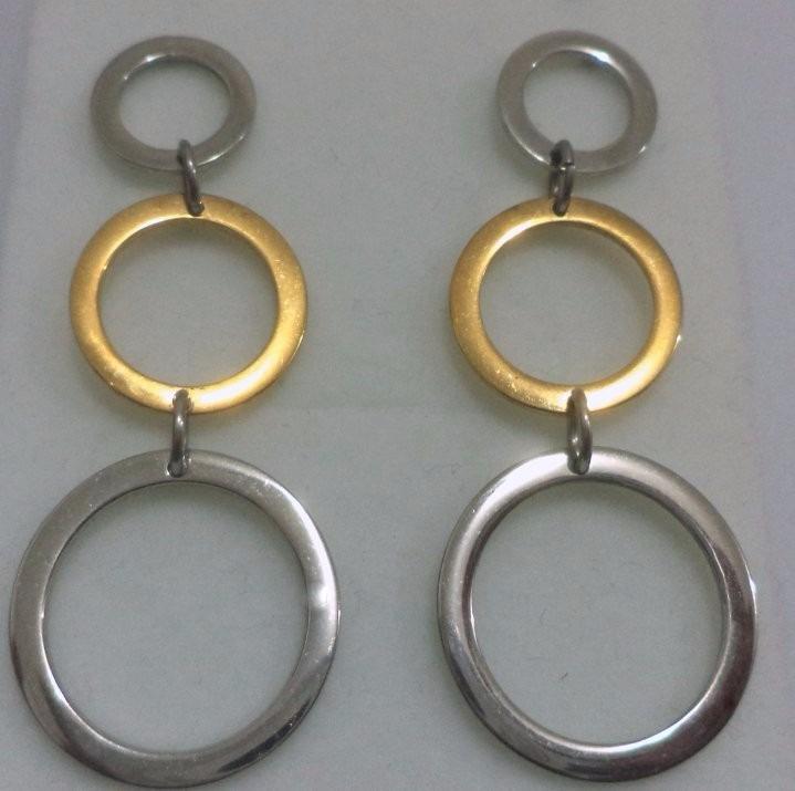 2b8d0ea345a7b Brinco Aço Inox 2 Cores De Ouro Argola Caido Pendurado - R  47,20 em ...