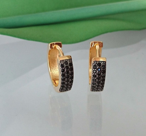 brinco argola feminino pedra zirconia preta banhado ouro 18k