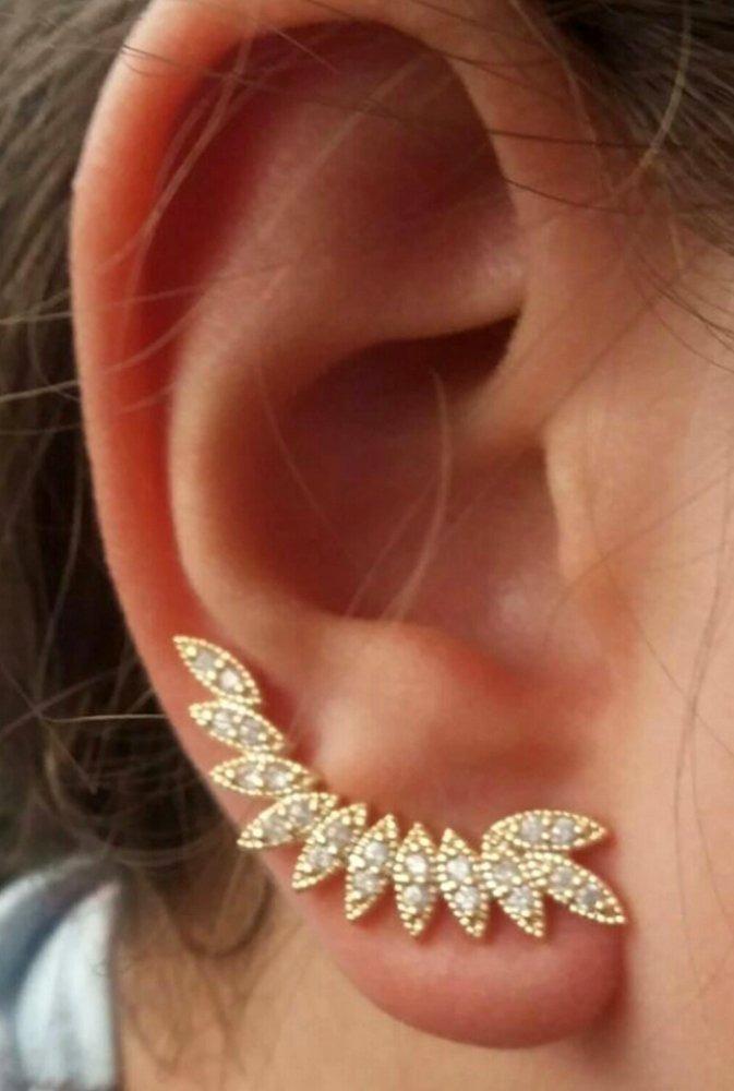3165414e34cc9 brinco ear cuff folhas dourado. semi joia folheada ouro 18k. Carregando zoom .