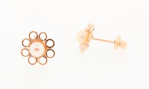 brinco em ouro 18k formato flor com pérola