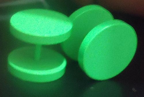 brinco falso alargador imita 12mm aço verde - 2 unidades par