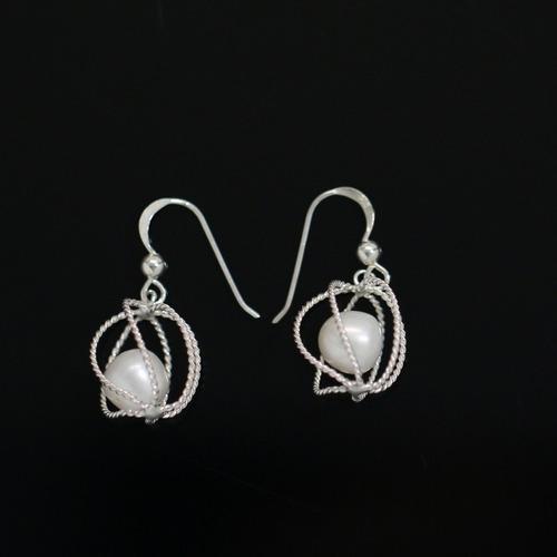 brinco feminino em prata 925 + pérolas naturais - importado
