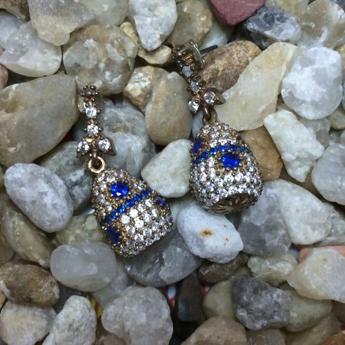 brinco feminino prata turca 925 gota c/ pedras brancas/azuis