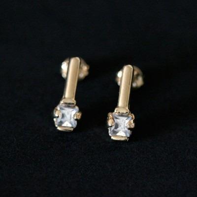 brinco semi jóia folheado a ouro com pedra de zircônia
