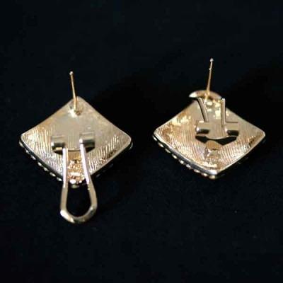 brinco semi jóia folheado a ouro com pedras de zircônia