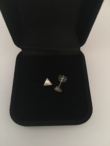 brinco triangulo madreperola prata 925 r3110