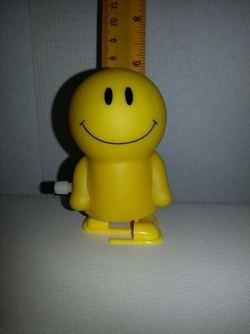 brinquedo a corda  - smile