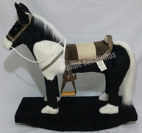 brinquedo cavalinho de balanço infantil  madeira e pelúcia