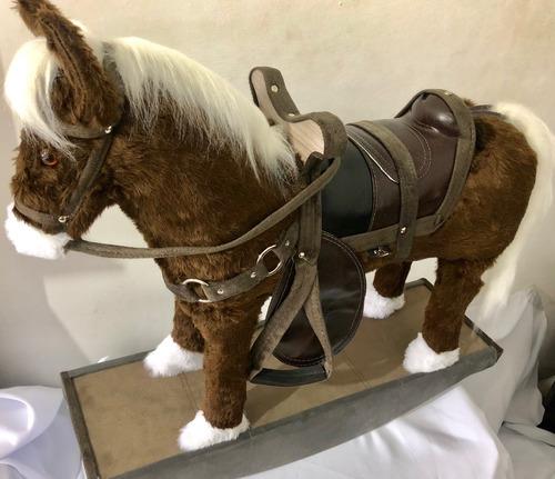 brinquedo cavalinho de balanço super luxo king cowboy