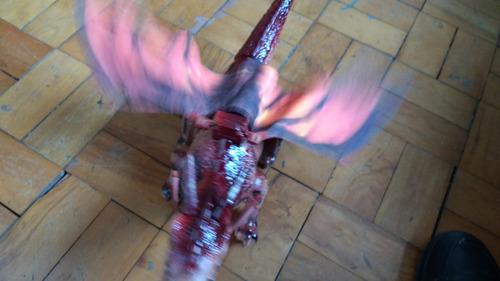 brinquedo dinossauro dragão bate asas e anda som e luz