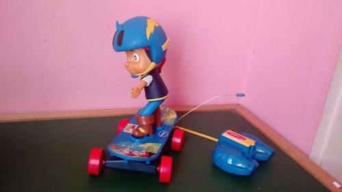 brinquedo  jake o pirata com skate de controle remoto disney