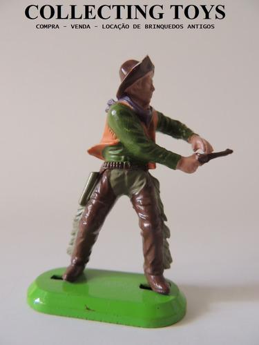 britains - forte apache - cowboy - base de metal  (b 77)