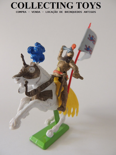 britains - medieval - cavaleiro + cavalo - base ferro   b 50