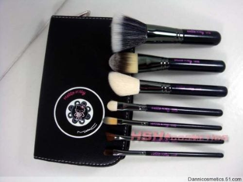 brochas mac hello kitty  pinceles maquillaje
