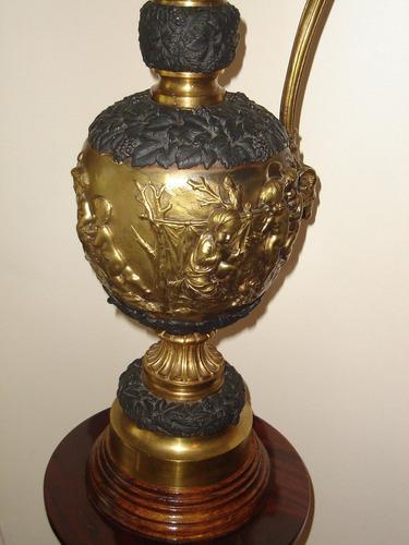 bronce adorno antigua