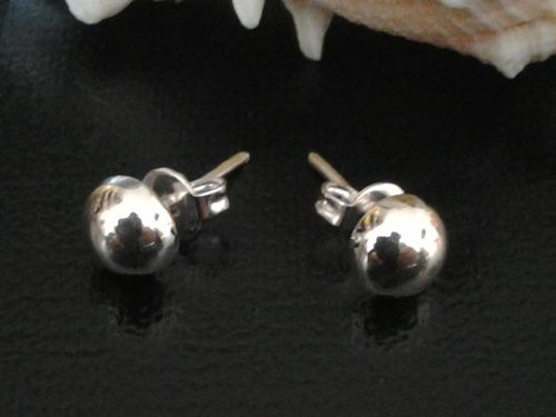 broquel de plata tipo media bola 1.4 cms x ,5cms ancho