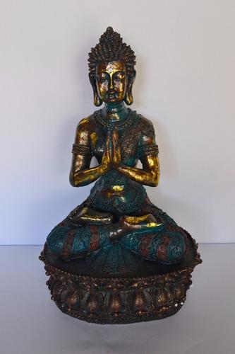 buda gautama meditando