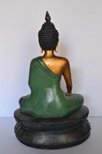 buda siddhartha gautama meditando