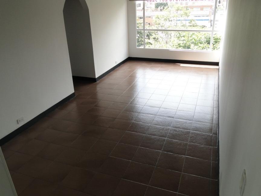 buen precio, exelente ubicación, apto de 63 m2 ,3 hab,2 b