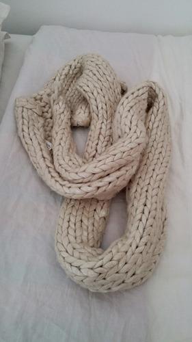 bufanda lana gruesa diseno blanca neon engomada tornasol hm