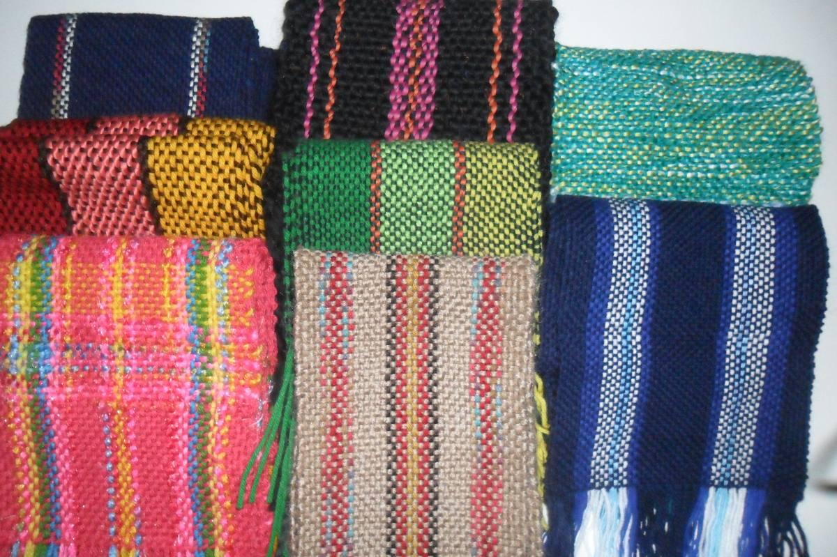 bufanda tejida en telar artesanal mujer hombre tonos azules. Cargando zoom.