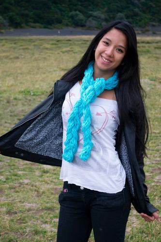 bufandas, gorros, boinas y cuellos tejidos a mano
