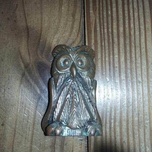 búho lechuza de metal 7,5cm de alto (cu7)
