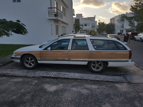 buick road master  estate wagon