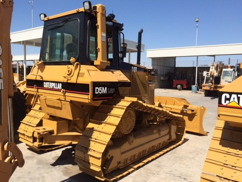 bulldozer caterpillar d5m lpg  mod. 2003