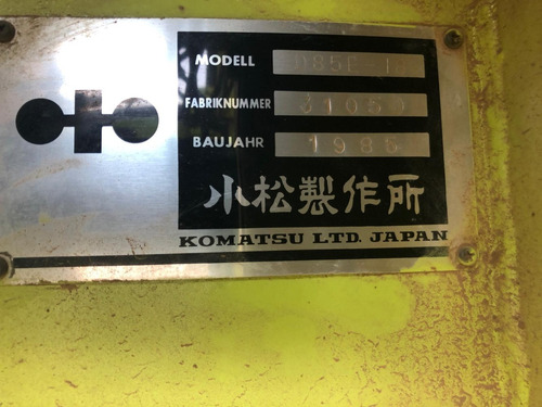 bulldozer komatsu d85e-18 1985