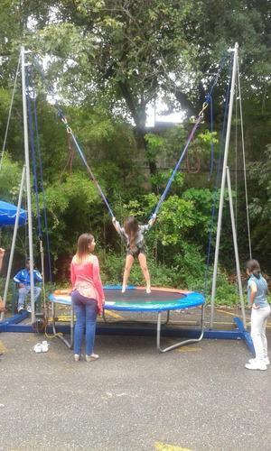bungee trampolin, pared de escalada, pendulo humano