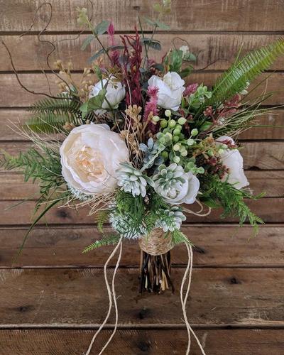 buquê de noiva de flores permanentes