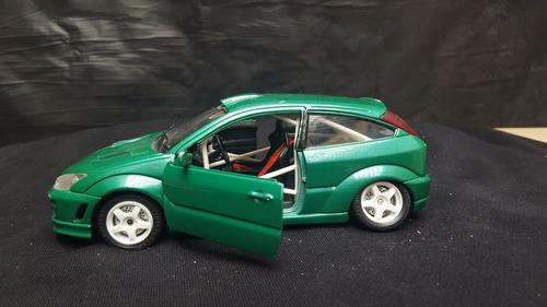 burago 0118 1:24 scala ford focus rally verde