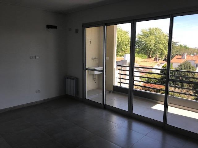 buratti venta departamento 2 ambientes en olivos ugarte 2100