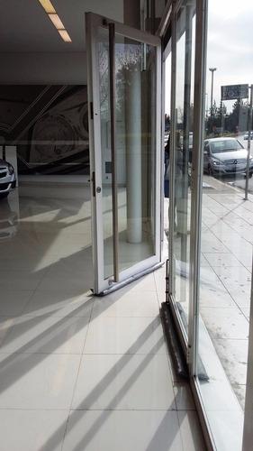 burlete puerta ahorra gas luz  mantiene la temperatura