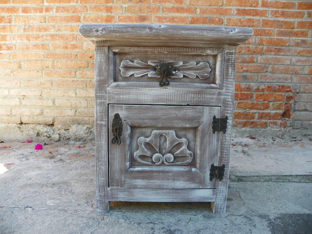 Muebles Antiguos Tallados En Madera : Bur? vintage tallado en madera y con decapado antiguo