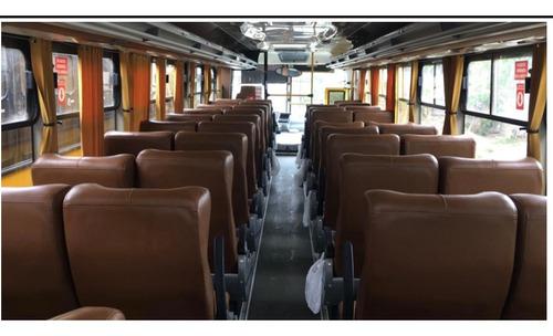 bus de turismo yutong y bus escolar hino ak