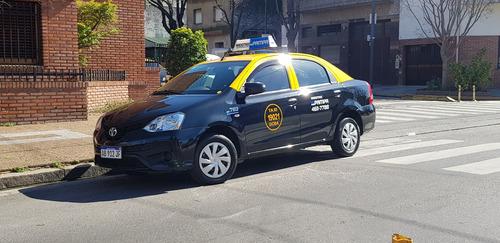 busco chofer taxi caba a cargo toyota etios vw voyage dueño