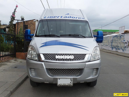buseta iveco daily