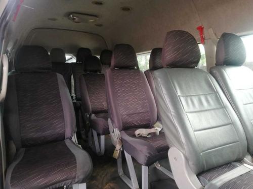 buseta jinbei servicio especial 2013 de 19 pasajeros.