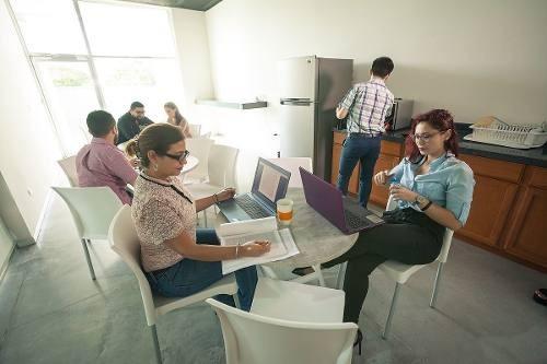 ¡business center! en renta oficina equipada para 4 personas